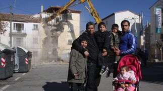 Demolición de la segunda fase del barrio de Santa Adela