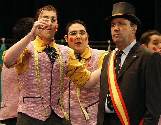 La comparsa gaditana Los prendas.   Foto: Jose Braza