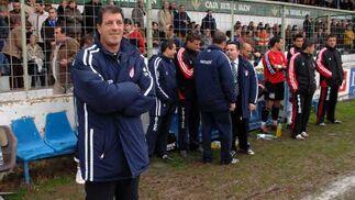 El técnico del Granada CF, Pedro Pablo Braojos, insistió en el derroche de fuerza del equipo.  Foto: La Otra Foto