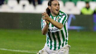 Sergio García aplaude en el terreno de juego.  Foto: Antonio Pizarro