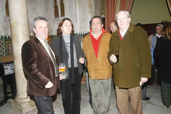 Alberto Ramos Santana, Marieta Cantos, José Ramón Zamora y Enrique Pérez Figuier, tras el debate.  Foto: Joaquin Hernandez Kiki