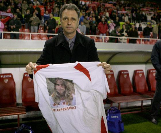 Caparrós se solidariza con la familia de Marta del Castillo.  Foto: Antonio Pizarro