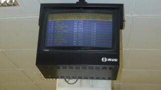 Los controles del aeropuerto de Almería indicaban un retraso en la salida del vuelo.  Foto: elalmeria.es