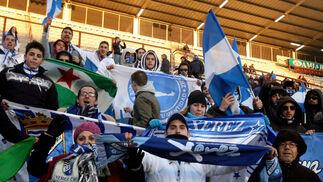 El equipo azulino estuvo acompañado por una nutrida representación de la hinchada xerecista.  Foto: lof