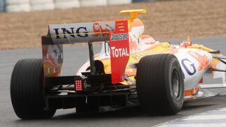 Detalle de la trasera del R29 con el que rodó Nelsinho Piquet en los entrenos de Jerez.  Foto: J. C. Toro