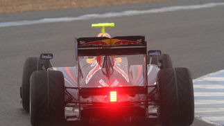 Detalle del alerón trasero del Red Bull de 2009.  Foto: J. C. Toro
