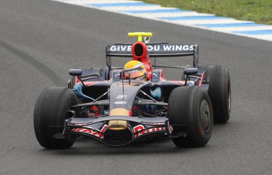 El Toro Rosso de 2008 de Buemi, con el que marcó el mejor registro el piloto suizo.  Foto: J. C. Toro