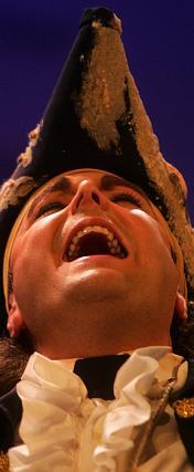 Cerró la función con buenas voces la comparsa algecireña La arena, leyenda de un navegante.  Foto: Jesus Marin