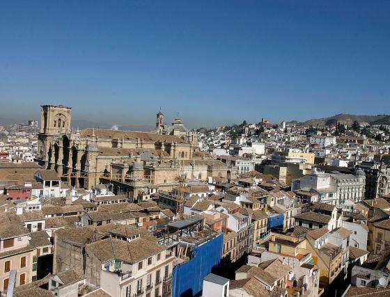 La catedral, vista desde la Plaza del Carmen.  Foto: Mar?de la Cruz / Esther Falc?