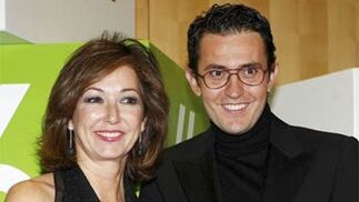 Ana Rosa Quintana y Maxim Huertas.   Foto: EFE