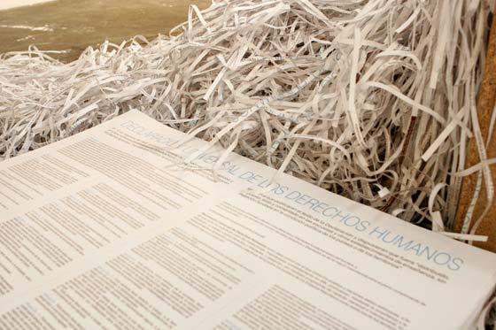 Una de las obras de ARCO es la declaración de los Derechos Humano.  Foto: Alberto Morales