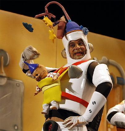 El androide niñera de Los robó de cocina.   Foto: Jose Braza