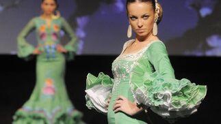 Cañavate consiguió que cada vestidos recordase a una flor por sus rizados volantes en las faldas y las mangas.  Foto: Manuel Aranda