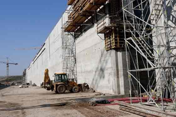 El Puerto aplica en uno de sus grandes proyectos un procedimiento de trabajo que se inventó hace 5 milenios.  Foto: Jaime Martinez