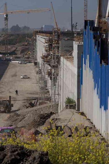 Para la obra se han movido dos millones de metros cúbicos de material y se han empleado 150.000 metros cúbicos de hormigón.  Foto: Jaime Martinez