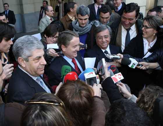 La movilización, a la que han acudido numerosos medios de comunicación, se ha llevado a cabo sin incidentes.   Foto: Juarn Carlos Muñoz