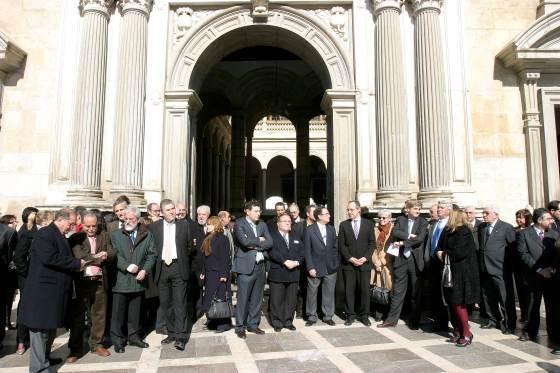 Los jueces han protagonizado una foto histórica, durante su protesta a las puertas de la Chancillería.  Foto: Maria de la Cruz