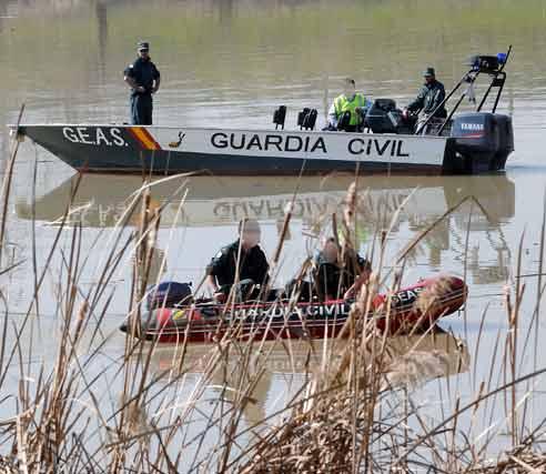 Los trabajos de búsqueda del cuerpo de Marta llevan ya cinco días en los que no se han presentado novedades  Foto: Juan Carlos Vazquez/Victoria Hidalgo/Jose Angel Garcia