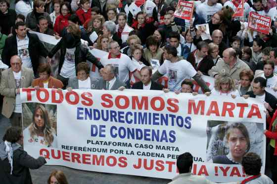 Todos unieron sus fuerzas para pedir la cadena perpetua.  Foto: Juan Carlos Vázquez / Alberto Morales