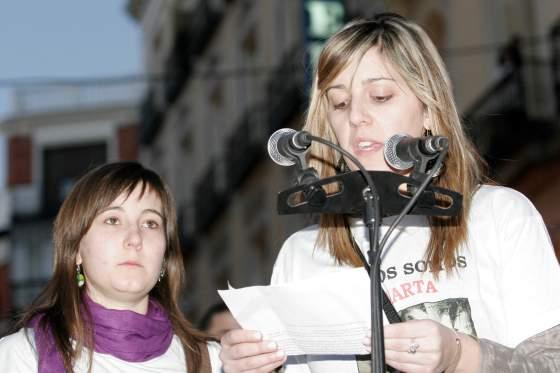 Dos jóvenes leyeron un manifiesto.  Foto: Juan Carlos Vázquez / Alberto Morales
