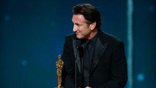 Sean Penn, Oscar al Mejor Actor por 'Mi nombre es Harvey Milk'.  Foto: Ampas