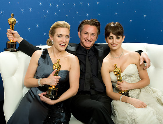 Kate Winslet, Sean Penn y Penélope Cruz.  Foto: Ampas