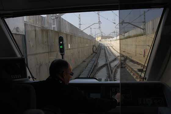 Vistas desde el frontal, desde donde los operarios conducen el metro.  Foto: Jose Angel Garcia