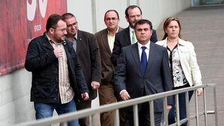 El vicepresidente de la Diputación Francisco Fernandez España ha sido el encargado de leer un comunicado con el que el organismo se desvincula de los delitos que se investigan  Foto: Piqui Sánchez