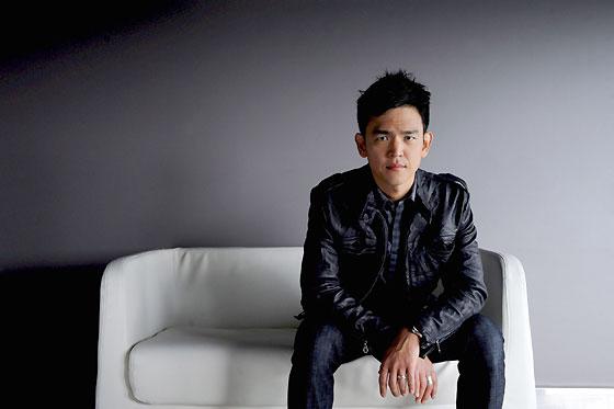 John Cho es Sulu, un oriental (pero nacido en San Francisco) apasionado de la esgrima y al que en el 'Enterprise' primigenio encarnaba George Takei.  Foto: Reuters / AFP Photo / EFE