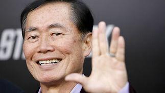 George Takei, el Sulu 'original', no quiso perderse la presentación de la película.  Foto: Reuters / AFP Photo / EFE