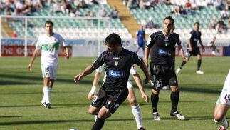 Mario Bermejo, autor del gol, se prepara para el disparo.  Foto: L.O.F.