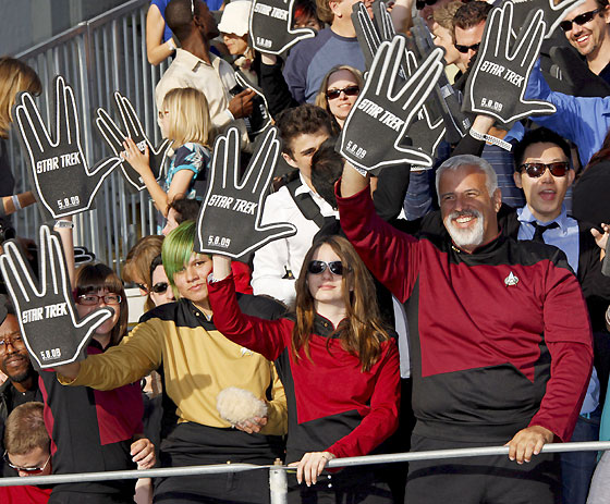 A la 'premiere' acudieron numerosos fans de la serie.  Foto: Reuters / AFP Photo / EFE