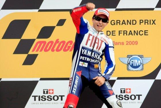Lorenzo lidera el campeonato con 66 puntos por 65 de Rossi y del australiano Casey Stoner (Ducati)  Foto: Efe