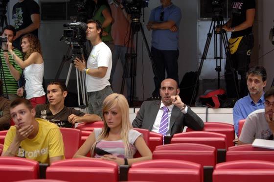 David Castedo, Monchi y Pablo Alfaro acompañaron a su amigo Javi en su despedida en rueda de prensa.  Foto: Manuel Gómez