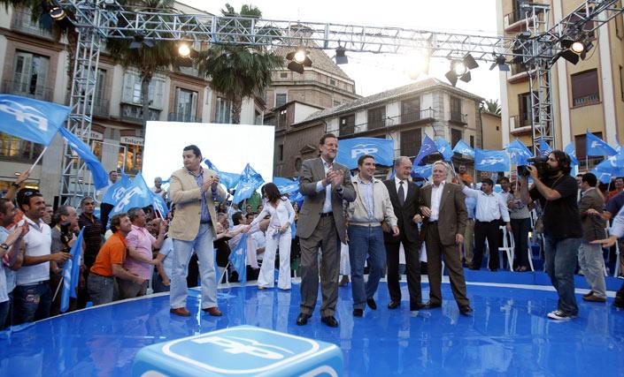 Sanz, Rajoy, Bendodo, De la Torre y Ramírez  Foto: Sergio Camacho