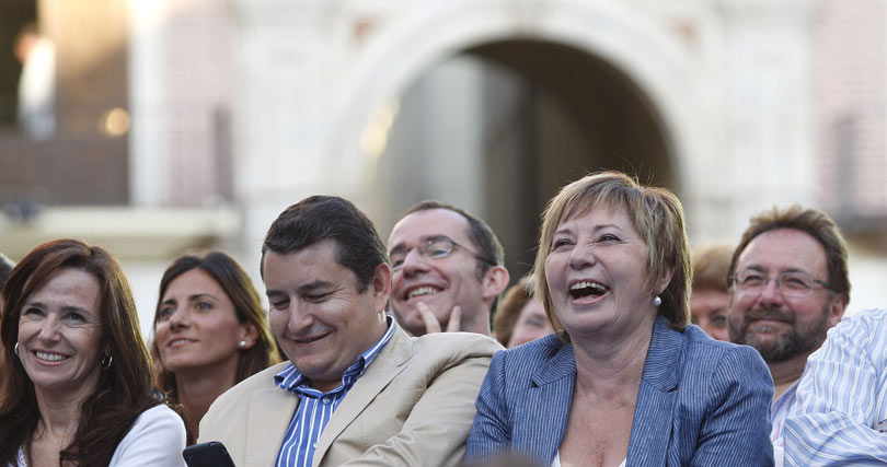Una entusiasta Celia Villalobos, junto a Sanz.   Foto: Sergio Camacho
