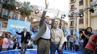 El PP reúne a más de 4.000 personas en un acto de campaña de las europeas en la Plaza de la Constitución  Foto: Sergio Camacho