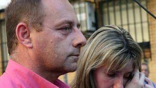 Los padres de Marta en un momento de la congregación para pedir justicia por su hija.  Foto: Juan Carlos Muñoz/ EFE
