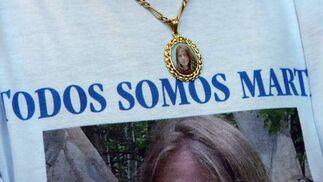 El recuerdo de Marta queda en la memoria de muchos tal y como lo muestra esta medalla.  Foto: Juan Carlos Muñoz/ EFE