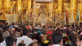Las hermandades renovaron su voto de fidelidad a la Virgen del Rocío