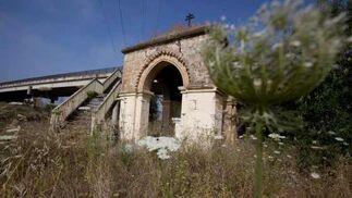 Tras lustros de quejas de conservacionistas el templete mudéjar continúa en peligro de ruina.  Foto: Jaime Martínez