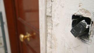 Es imposible utilizar los enchufes del edificio.  Foto: Belén Vargas, Jaime Martínez