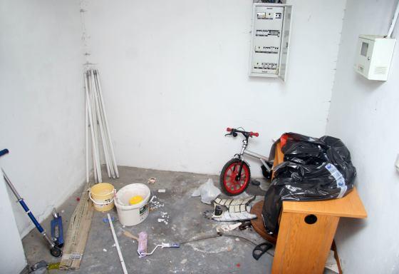 Los espacios comunes se utilizan para guardar pertenecencias personales.  Foto: Belén Vargas, Jaime Martínez
