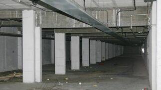 Es una pena el lamentable estado del garaje ya que ni siquiera se puede utilizar.  Foto: Belén Vargas, Jaime Martínez