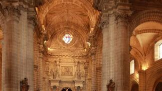 José Mazuelos ha tomado posesión en la Catedral de Jerez de la Frontera como nuevo obispo de la Diócesis de Asidonia-Jerez en una ceremonia presidida por Monseñor Carlos Amigo Vallejo  Foto: Juan Carlos Toro
