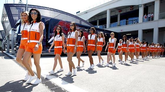 Las azafatas del Gran Premio de Turquía.  Foto: AFP Photo / Reuters / EFE
