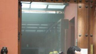 El humo nubló toda la cocina del restaurante.  Foto: Marisa Rivera