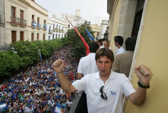Jesús Mendoza, como buen jerezano, se acordó de su barriada natal a la hora de la celebración.   Foto: redacci?r?ca