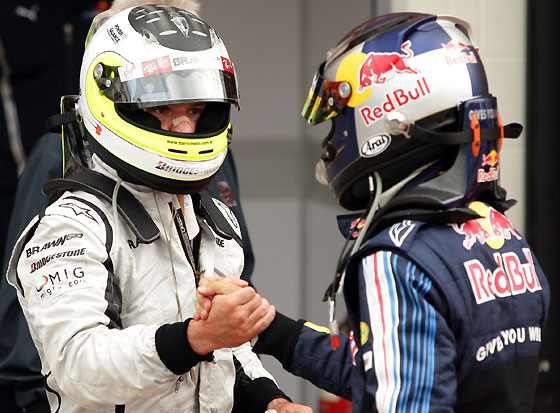 Button saluda a Vettel al final de la carrera.  Foto: Reuters / Afp Photo