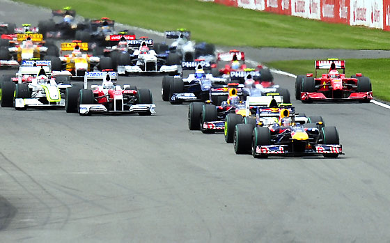 Inicio de la carrera en Silverstone.  Foto: Reuters / Afp Photo